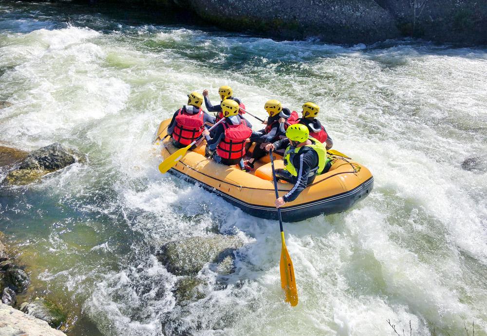 rafting corse corsica bateau riviere montagne golo